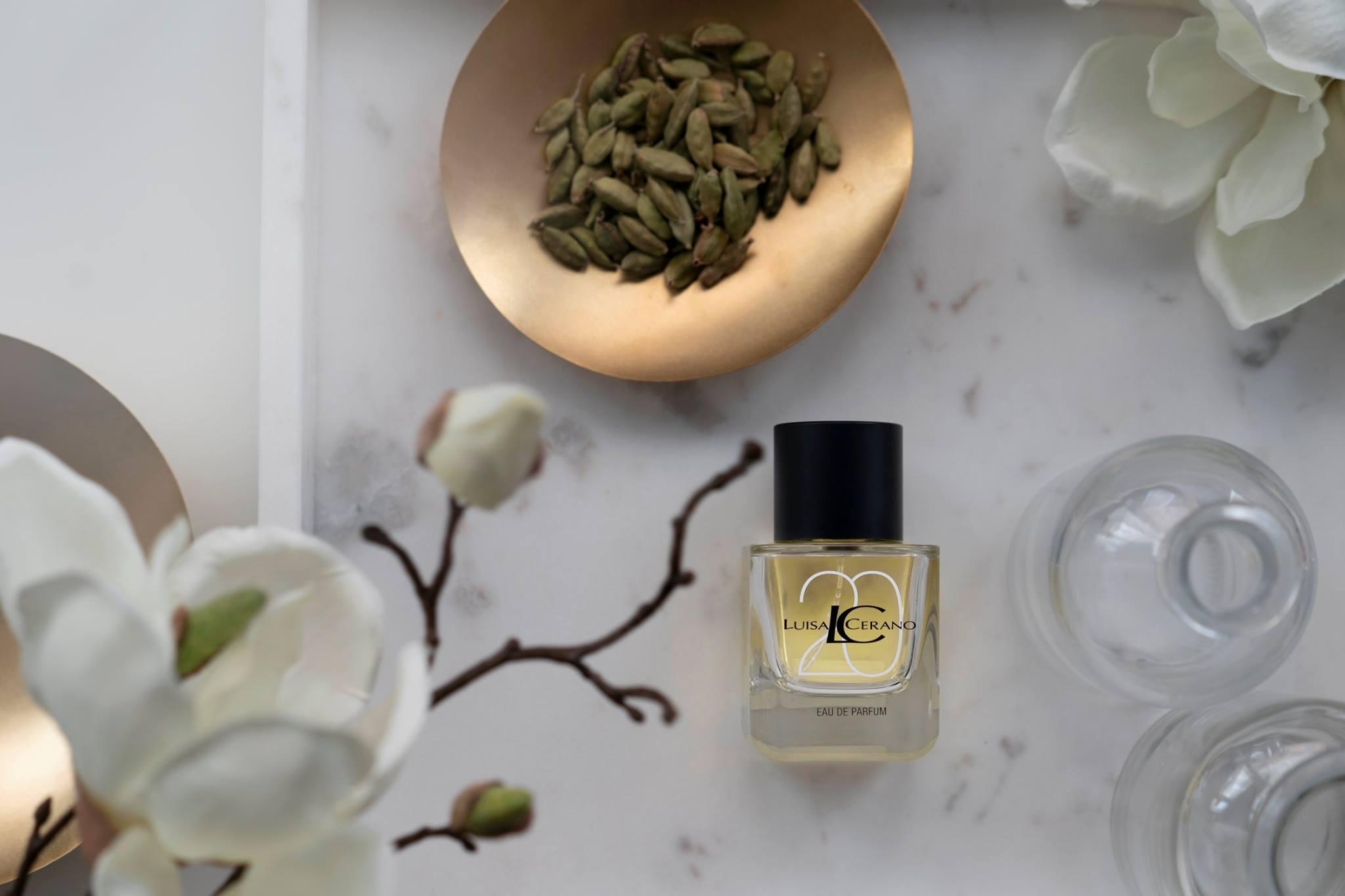adb7642ed6 LUISA CERANO představuje svůj první vlastní parfém