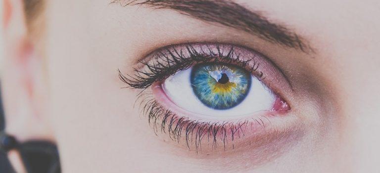 Pomněnkové oči – nový pohled na péči o pleť