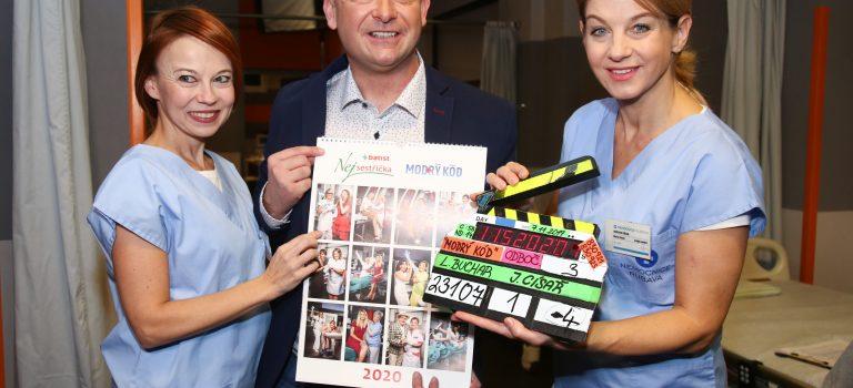 Herci Modrého kódu pokřtili kalendář Batist Nej sestřičky pro rok 2020.