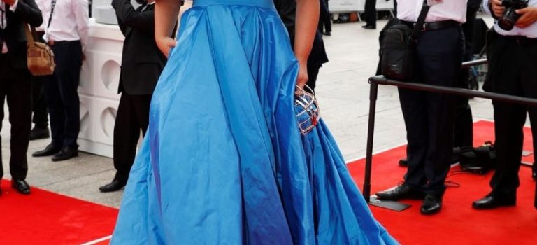 Červený koberec je nejprestižnější místo, kde mohou celebrity předvést svůj hvězdný styl.